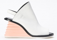 NEWS: Shoes dedicated to Zaha Hadid