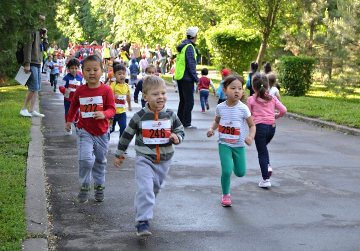 NEWS: Young Almaty residents have overcome their first running meters