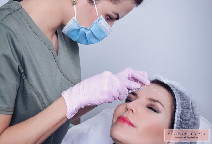 Botulin therapy is a natural facial expression without wrinkles