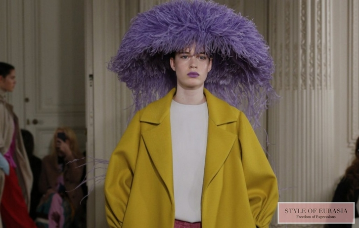 NEWS: Voluminous shaggy hats at the Valentino Couture fashion show