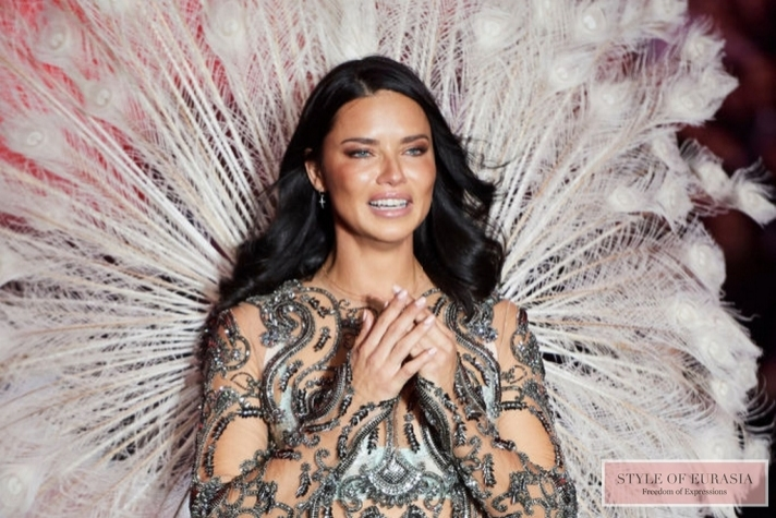 Supermodel Adriana Lima folded «Angel» wings