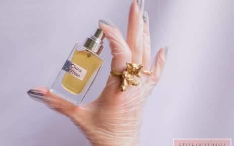 Breathe in the dizzy China White fragrance